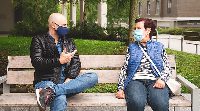 health5-friends-in-masks-47.jpg