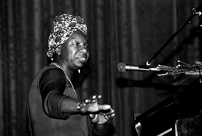 The American singer Nina Simone in concert in Morlaix (Brittany, France) in May 1982. - PHOTO: TEDDYYY, WIKI COMMONS