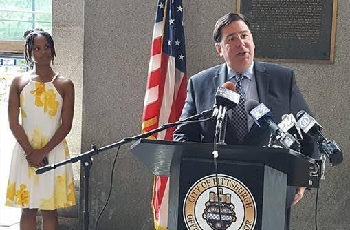 Mayor Bill Peduto and CeaseFire PA's Shannon Williams - PHOTO BY REBECCA ADDISON