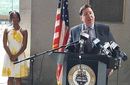Mayor Bill Peduto and CeaseFire PA's Shannon Williams - PHOTO BY REBECCA ADDISON