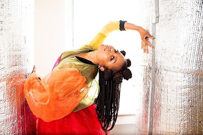 CIRCLES: going in by STAYCEE PEARL dance project & Soy Sos - PHOTO: KITOKO CHARGOIS