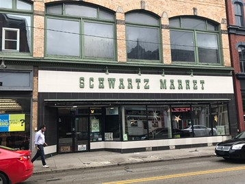 Schwartz Living Market, on the South Side - CP PHOTO BY BILL O'DRISCOLL