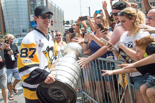 Sidney Crosby with his third Stanley Cup - CP PHOTO BY JORDAN MILLER