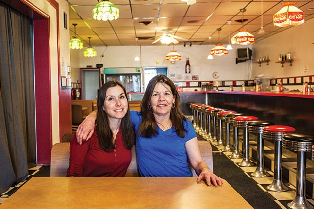 Shelly Moeller and Cheryl Parsons, at Breakfast at Shelly's - CP PHOTO BY VANESSA SONG