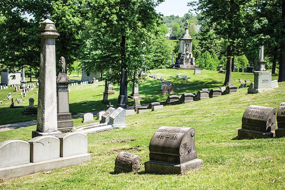 Allegheny Cemetery - CP PHOTO BY ANNIE BREWER