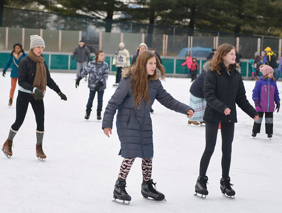 Schenley Park Ice Rink - CP PHOTO BY JOHN HAMILTON
