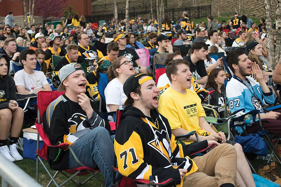 Pens Big Screen outside PPG Paints Arena - CP PHOTO BY JAKE MYSLIWCZYK