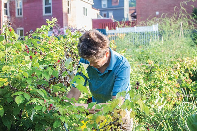 Jana Thompson in Olde Allegheny Community Garden - CP PHOTO BY ANNIE BREWER