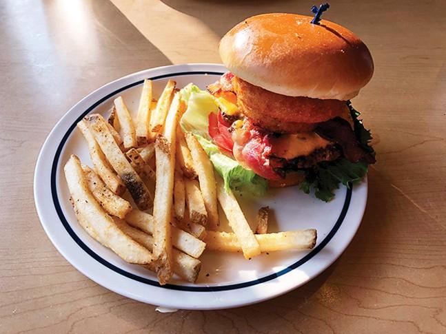 food_ihobburgerweb_29.jpg