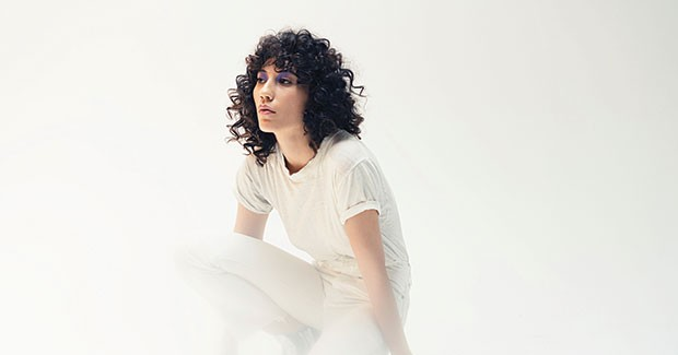 Tei Shi makes introspective pop from the ground up