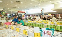 New Dimension Comics thrives as Century III Mall empties out