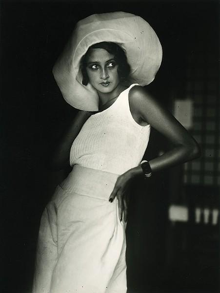 """Fast Cars and Femme Fatales, """"Renee. Biarritz, August 1930"""" - JACQUES HENRI LARTIGUE© MINISTÈRE DE LA CULTURE FRANCE/AAJHL"""