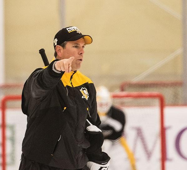 Penguins coach Mike Sullivan at practice on Sat., Oct. 1 at UPMC Lemieux Sports Complex