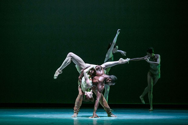 "Alonzo King LINES Ballet dancers Babatunji and Laura O'Malley in ""Biophony"""