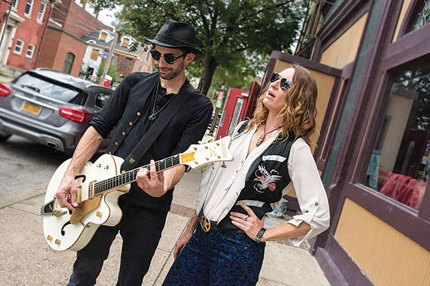 Working Breed (Mike Dugan and Erika Lang) as The Raconteurs