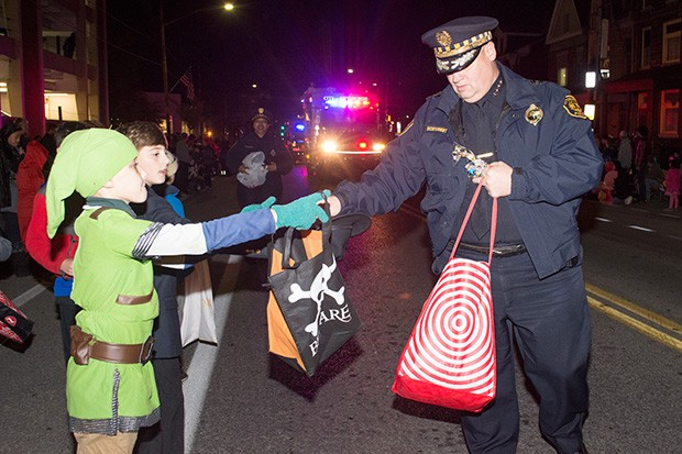 bloomfieldhalloweenparade3.jpg