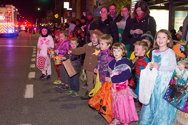 bloomfieldhalloweenparade7.jpg