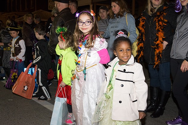 bloomfieldhalloweenparade18.jpg