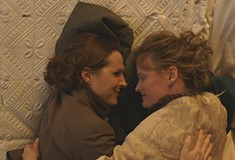 <i>Wild Nights with Emily</i> portrays the truth about Emily Dickinson, finally