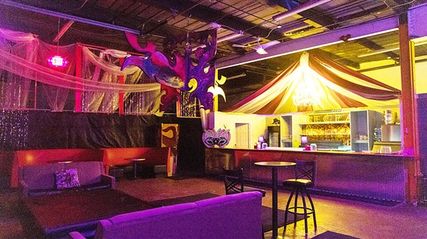 Pittsburgh swinging clubs