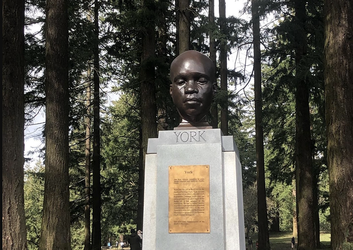 A statue of York, installed by an unknown artist, sits atop Mt. Tabor.