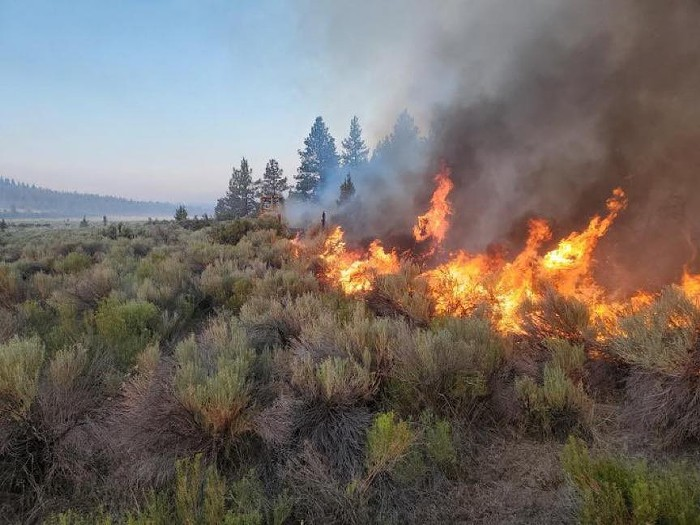 A photo of the Grandview Fire in Central Oregon yesterday.