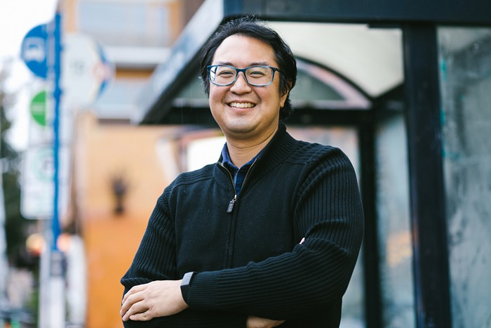 A photo of Duncan Hwang smiling