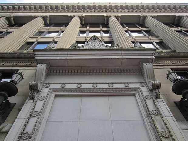 multnomah_county_courthouse_portland_2012_-_05.jpg