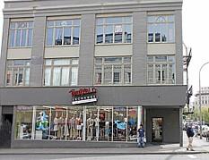 Buffalo Exchange 45th Anniversary Pop-Up Shop at Buffalo