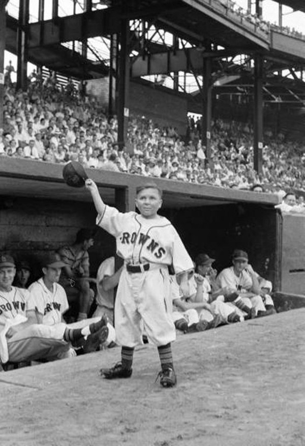 Eddie Gaedel, all three feet and seven inches of him.
