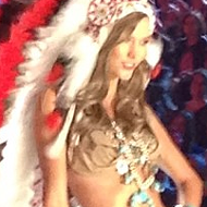 "Karlie Kloss and Victoria's Secret Under Fire for ""Indian"" Runway Lingerie Look [UPDATE]"