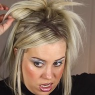 St. Louis Beauty Vlogger Goes Viral With 1999's Best Makeup