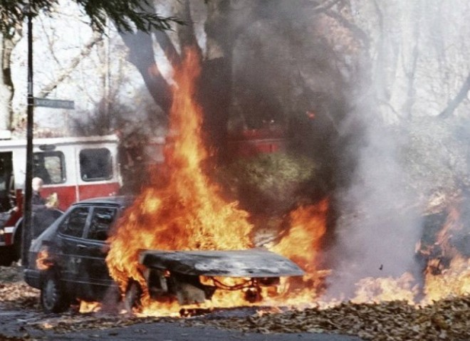 Super-flammable leaf piles can turn your car into an inferno. - IMAGE VIA ST. LOUIS FIRE DEPARTMENT