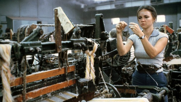 Sally Field won the 1979 Academy Award for Best Actress as union organizer Norma Rae.