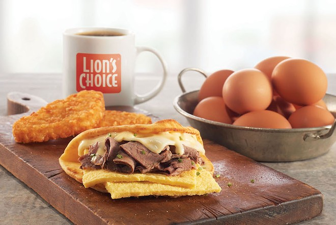 """Did someone say """"Steak and Egg Flatbread""""? - COURTESY OF LION'S CHOICE"""