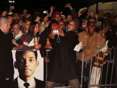 will_smith_at_seven_pounds_premiere_in_st_louis.2767954.36.jpg