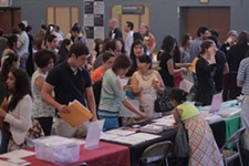 Students at a college fair held by Universidad Ya! - UNIVERSIDAD YA!
