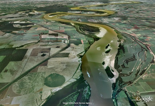 This photo shows what the Mississippi looked like downriver from the Birds Point levee back in 2009. - COURTESY OF GOOGLE AND GEOEYE