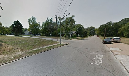 A view south on Thrush Avenue at Lillian Avenue. - GOOGLE MAPS