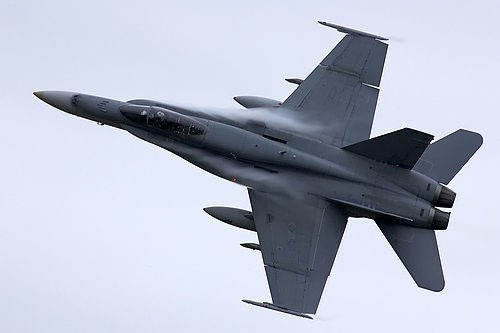 Super Hornet in flight. - FLICKR.COM/PHOTOS/ASPHOTOS
