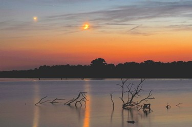 Planets over Pony Express Lake / Dan Bush (Missouri Skies)
