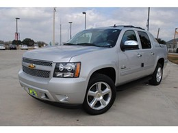 This is how the suspect's Chevy Avalanche looked before getting completely smashed up in a police chase. - IMAGE VIA