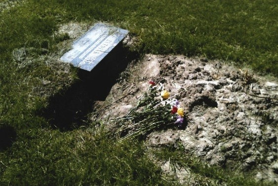 calvary_cemetery_1.jpg