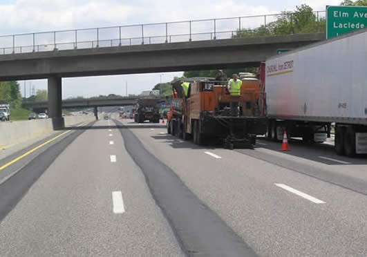 I-44 in 2007: An extra lane is born. - MODOT.ORG