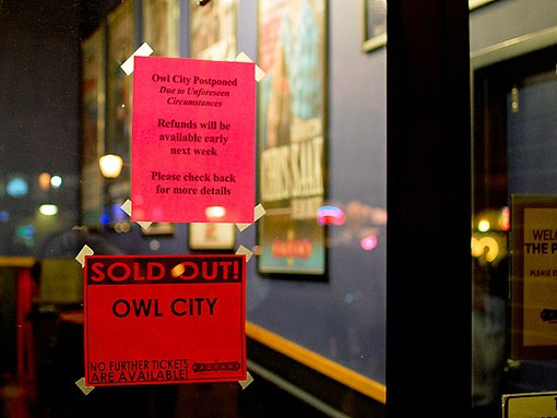 A note on the door of the Pageant tells fans that the sold-out show scheduled for Saturday night had been postponed. See more photos here. - PHOTO: JASON STOFF