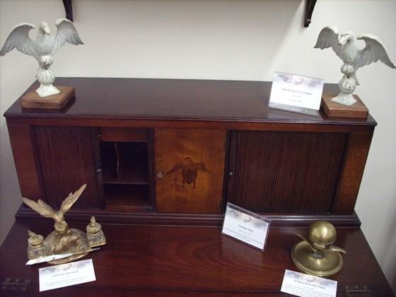 Eagle_Desk.jpg
