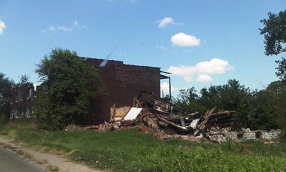 """""""Urban blight"""" in East St. Louis - WIKIMEDIA/DUKE ARCTEREX"""