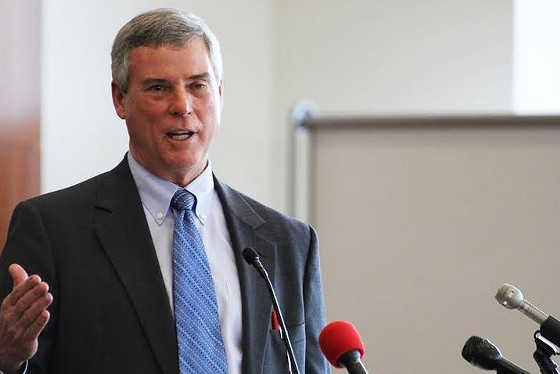 St. Louis County prosecuting attorney Bob McCulloch defended himself to a crowd of students, faculty and some protesters at SLU on Friday. - SLU LAW