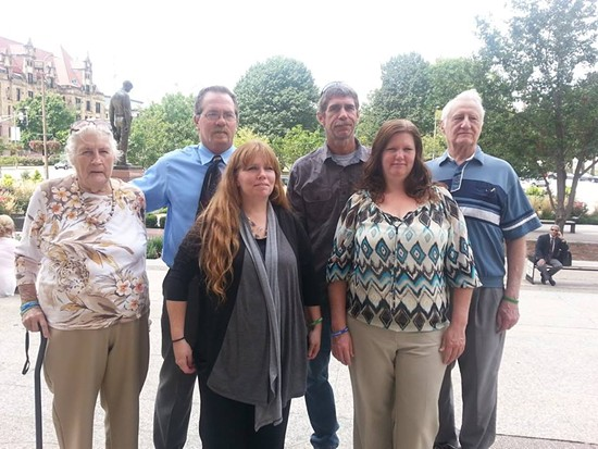 Rodney Lincoln''s two siblings and four children yesterday (Kay Lincoln front right). - COURTESY OF KAY LINCOLN