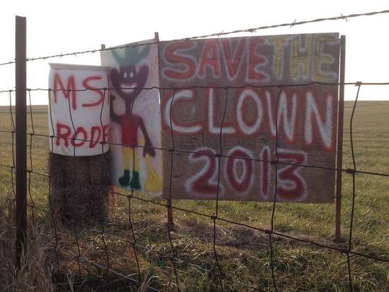 A farmer in Missouri set this up to support Tuffy the Clown. We're not sure why he's touting the Mississippi rodeo, though. - FACEBOOK